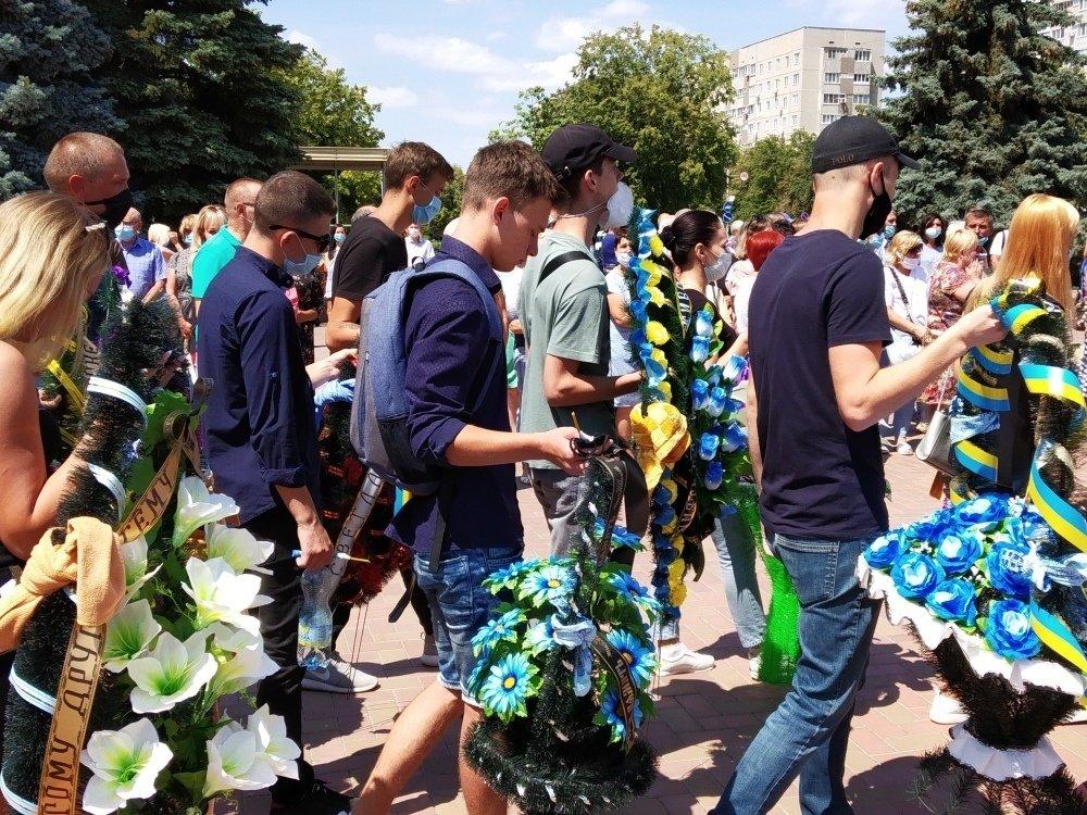 На Николаевщине простились с 18-летнем бойцом, который погиб на Донбассе, - ФОТО, фото-5