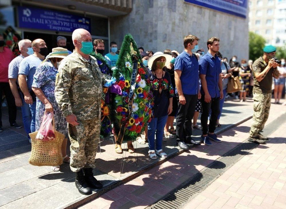 На Николаевщине простились с 18-летнем бойцом, который погиб на Донбассе, - ФОТО, фото-9