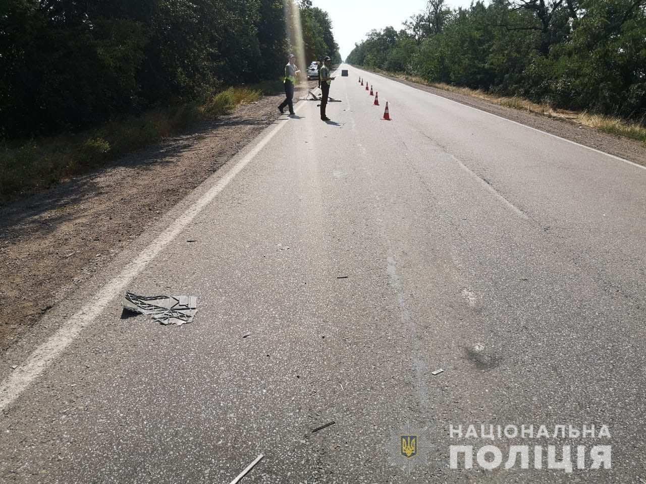 В ДТП под Николаевом столкнулись микроавтобус и грузовик: есть пострадавшие, - ФОТО, фото-2