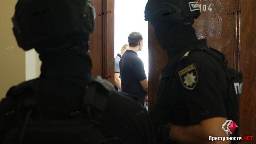 В Николаевском горсовете проходят обыски, - ФОТО, ВИДЕО, фото-1