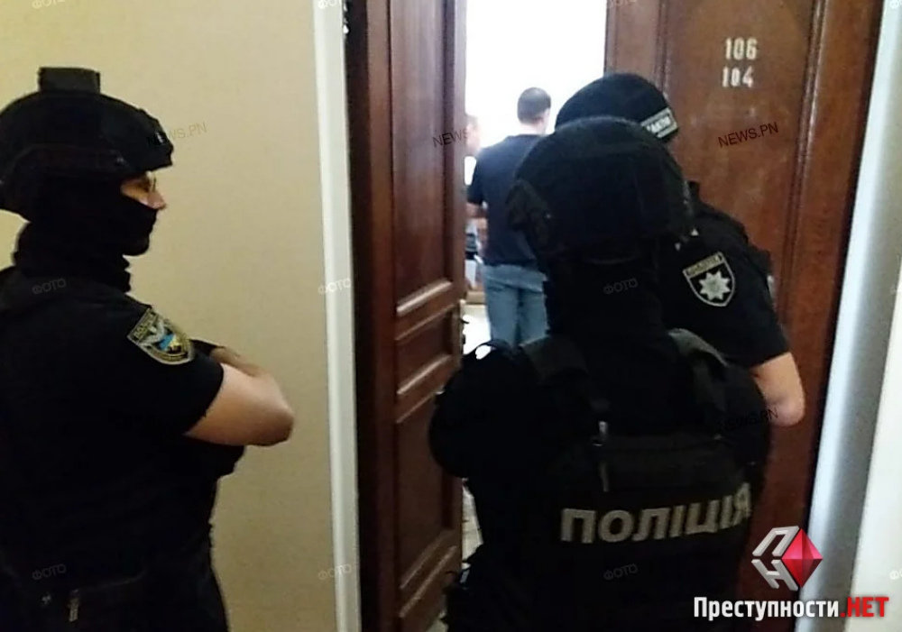 В Николаевском горсовете проходят обыски, - ФОТО, ВИДЕО, фото-5