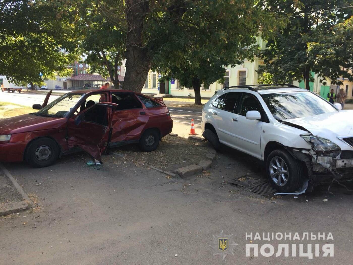 В центре Николаева столкнулись две легковушки: одного из водителей пришлось деблокировать, - ФОТО, фото-6