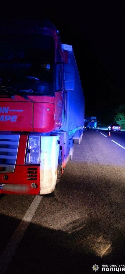 Под Николаевом столкнулись грузовик и иномарка: есть пострадавшие, - ФОТО, фото-2