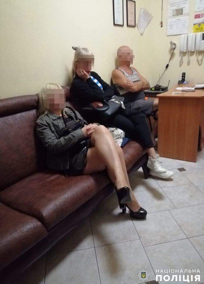 В Николаеве задержали администратора бани, который сводил  проституток с клиентами, - ФОТО, ВИДЕО , фото-13