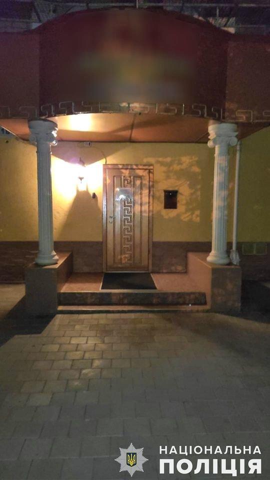 В Николаеве задержали администратора бани, который сводил  проституток с клиентами, - ФОТО, ВИДЕО , фото-9
