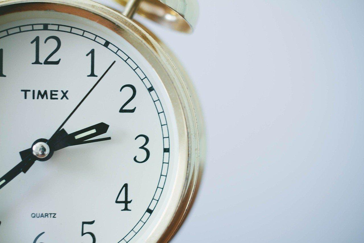 Переход на зимнее время: когда николаевцам следует перевести стрелки часов, фото-1