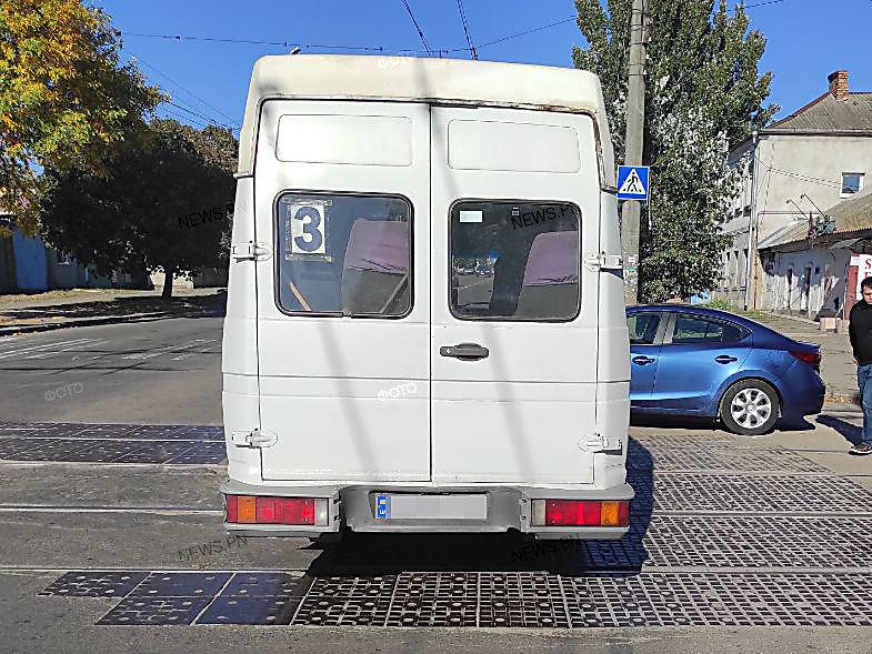 В Николаеве на трамвайных путях столкнулись иномарка и маршрутное такси, - ФОТО, фото-3