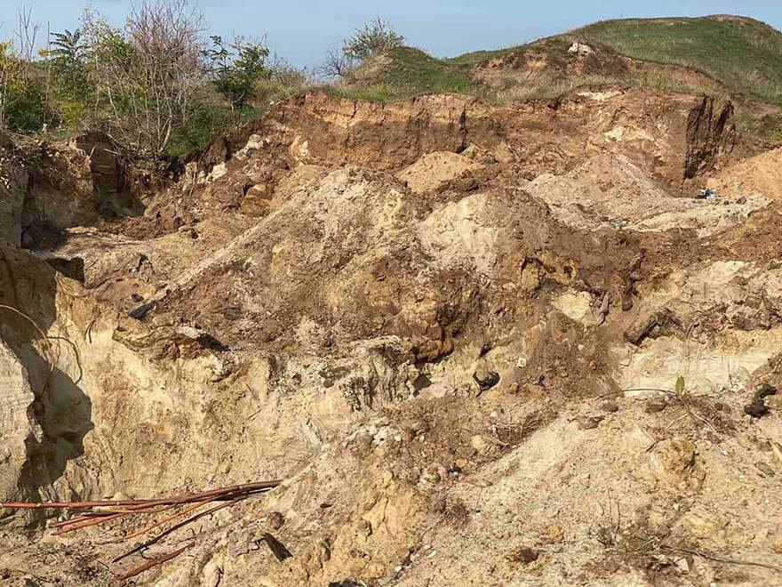 В Николаеве ребенок провалился на песчаном склоне: мальчика не удалось спасти,- ФОТО  , фото-1