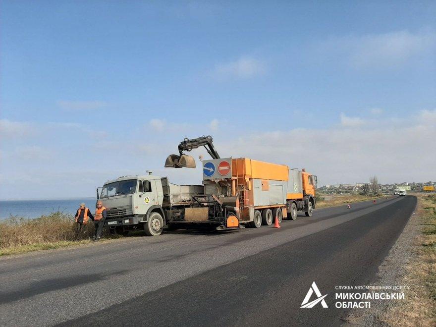 В Николаевской САД рассказали чем покрывают трассу М-14, чтобы она была прочной,- ФОТО , фото-5
