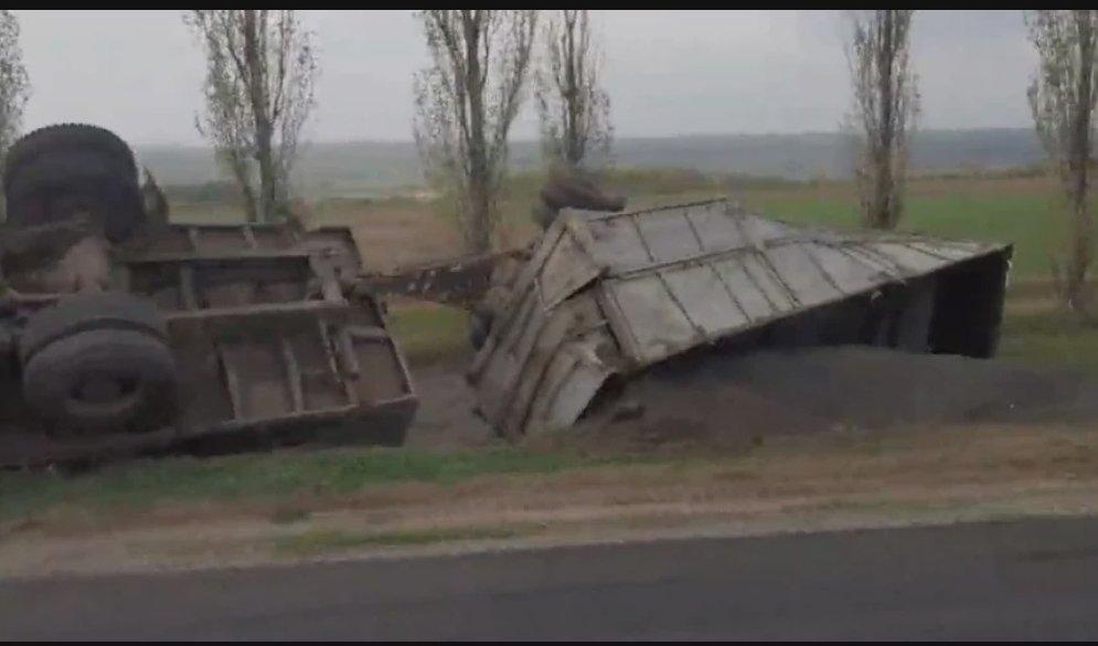 На трассе под Николаевом перевернулся грузовой автомобиль, - ФОТО, фото-1
