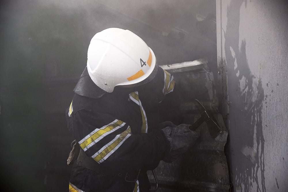 В Николаеве случался пожар на территории рынка, - ФОТО, фото-5
