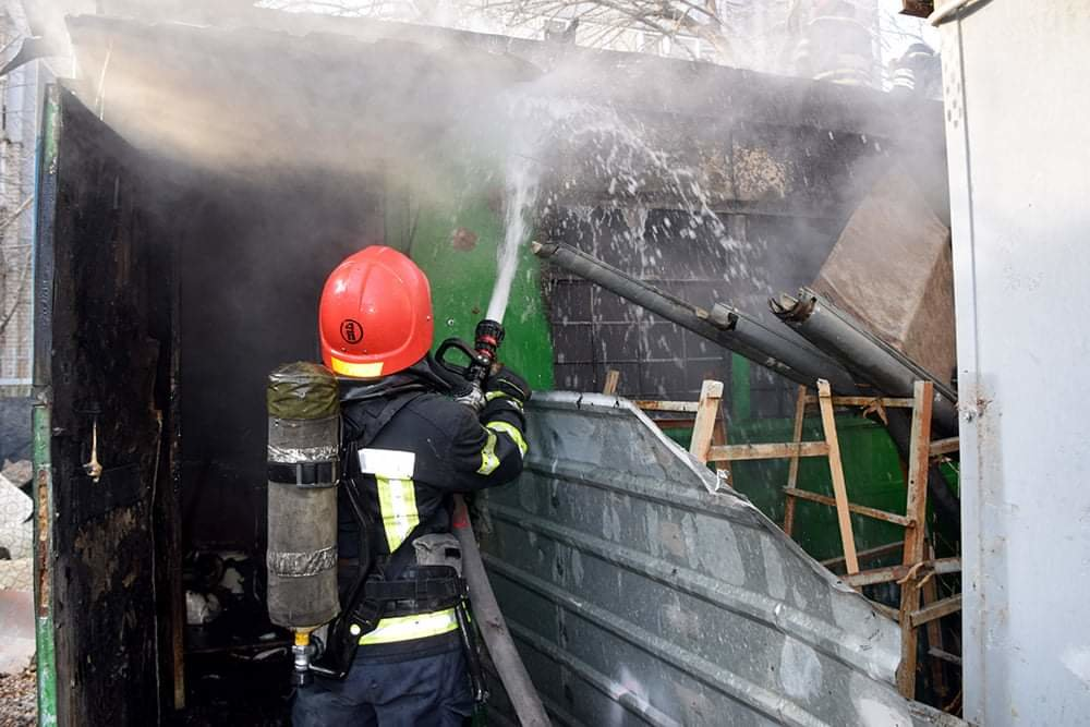 В Николаеве случался пожар на территории рынка, - ФОТО, фото-3