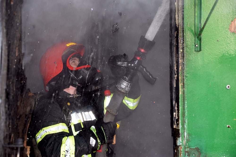 В Николаеве случался пожар на территории рынка, - ФОТО, фото-2