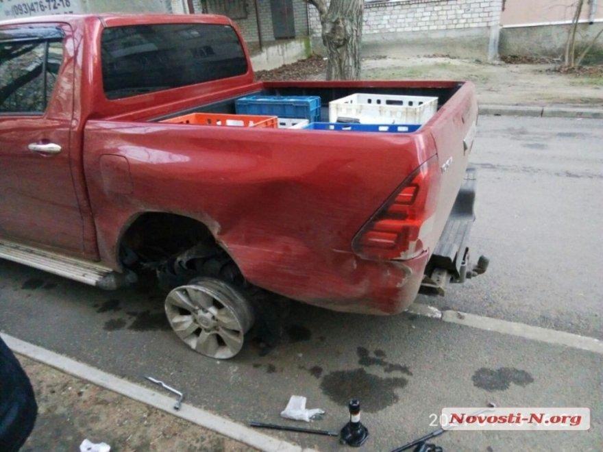 В Николаеве пьяный водитель пытался скрыться с места ДТП