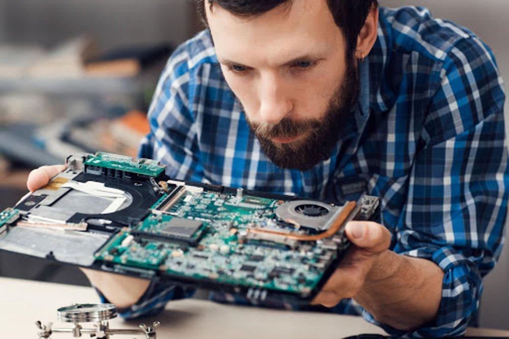 Мастер по ремонту ПК, ноутбуков, цифровой техники